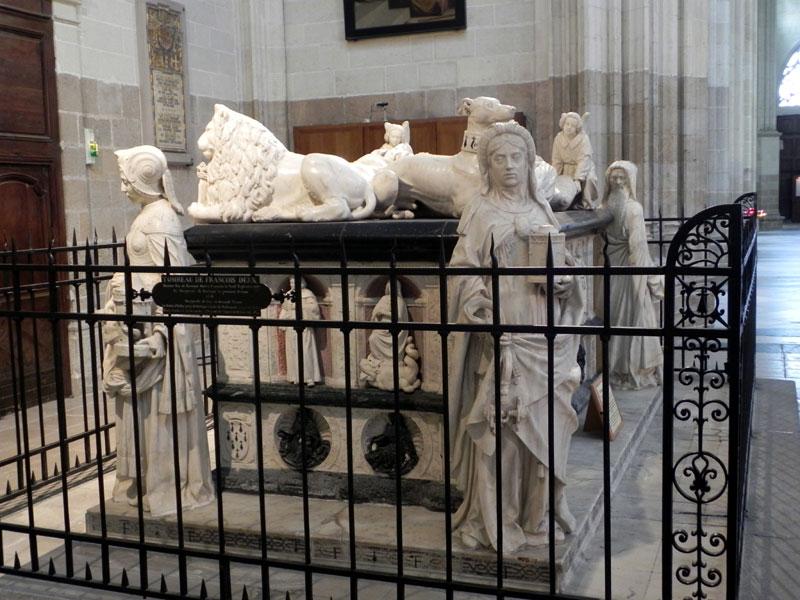NANTES * NAUNTT * NAONED Cathedrale-tombeau6571