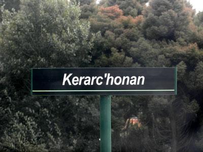La langue bretonne et la signalisation routière Keranconan-94
