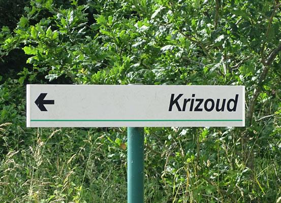 Les K barrés sur les documents et monuments Krizoud