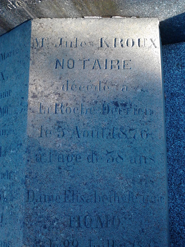 Les K barrés sur les documents et monuments Kerroux